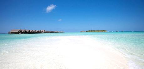 透き通ったビーチ(イメージ)